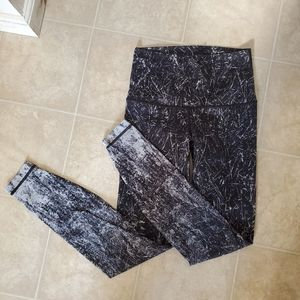 Lululemon Wunder under size 6 EUC